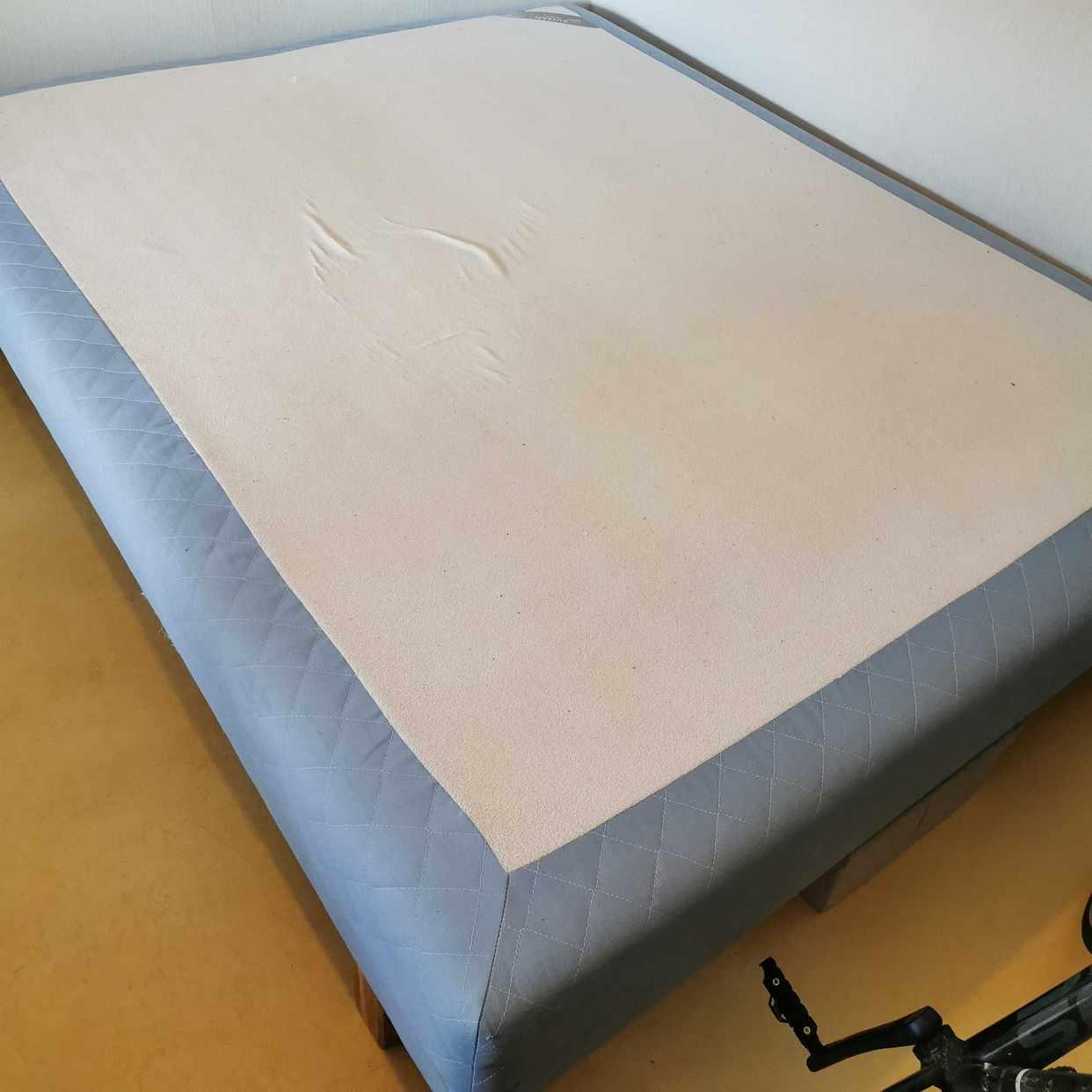 image of Bortskänkes säng 160 cm - Enskededalen