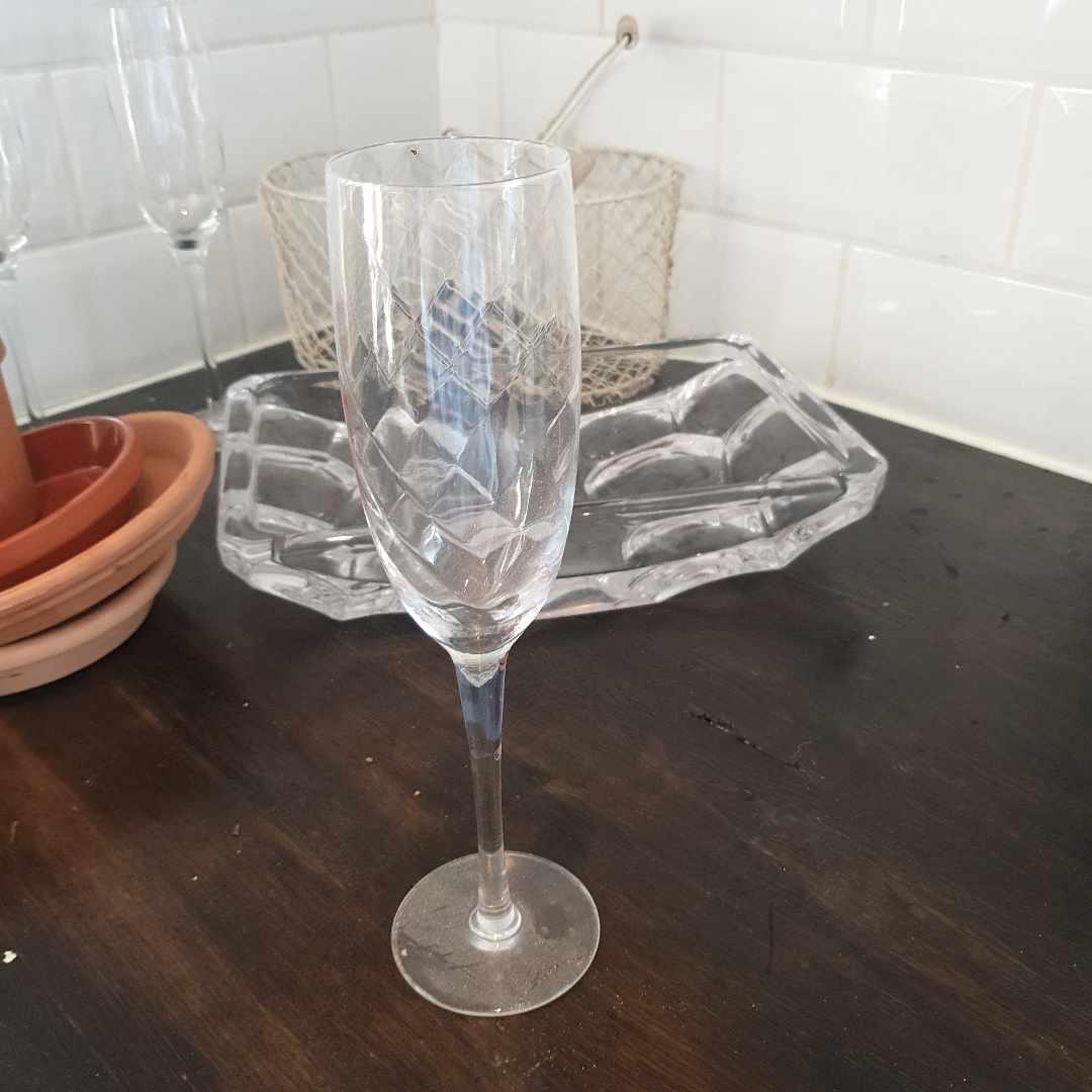 image of Munblåst champagneglas mm - Trångsund