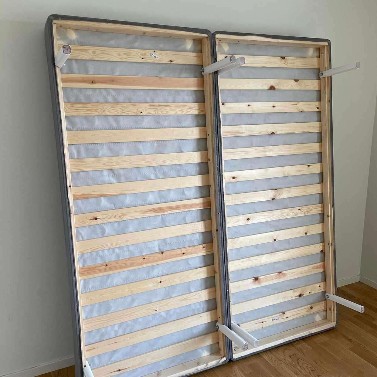 image of Tippning av möbler - Spånga