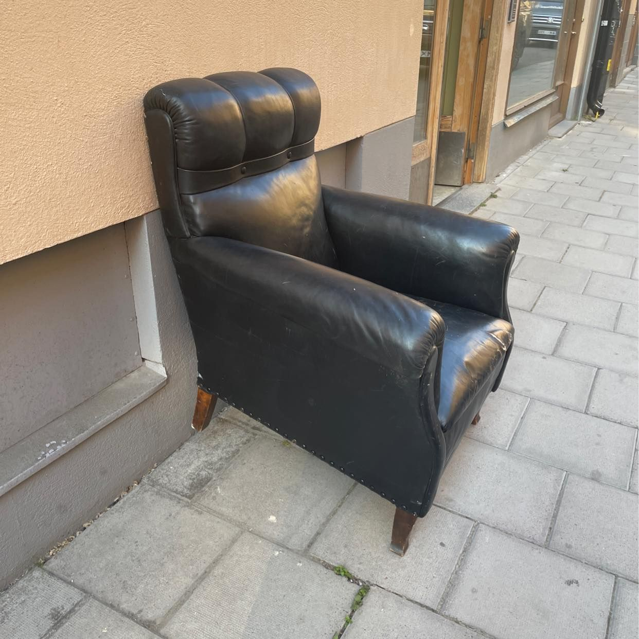 image of Throw away this chair - Stockholm City