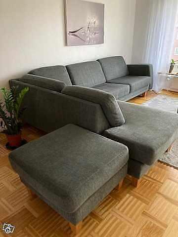 image of Säljer en divan soffa -