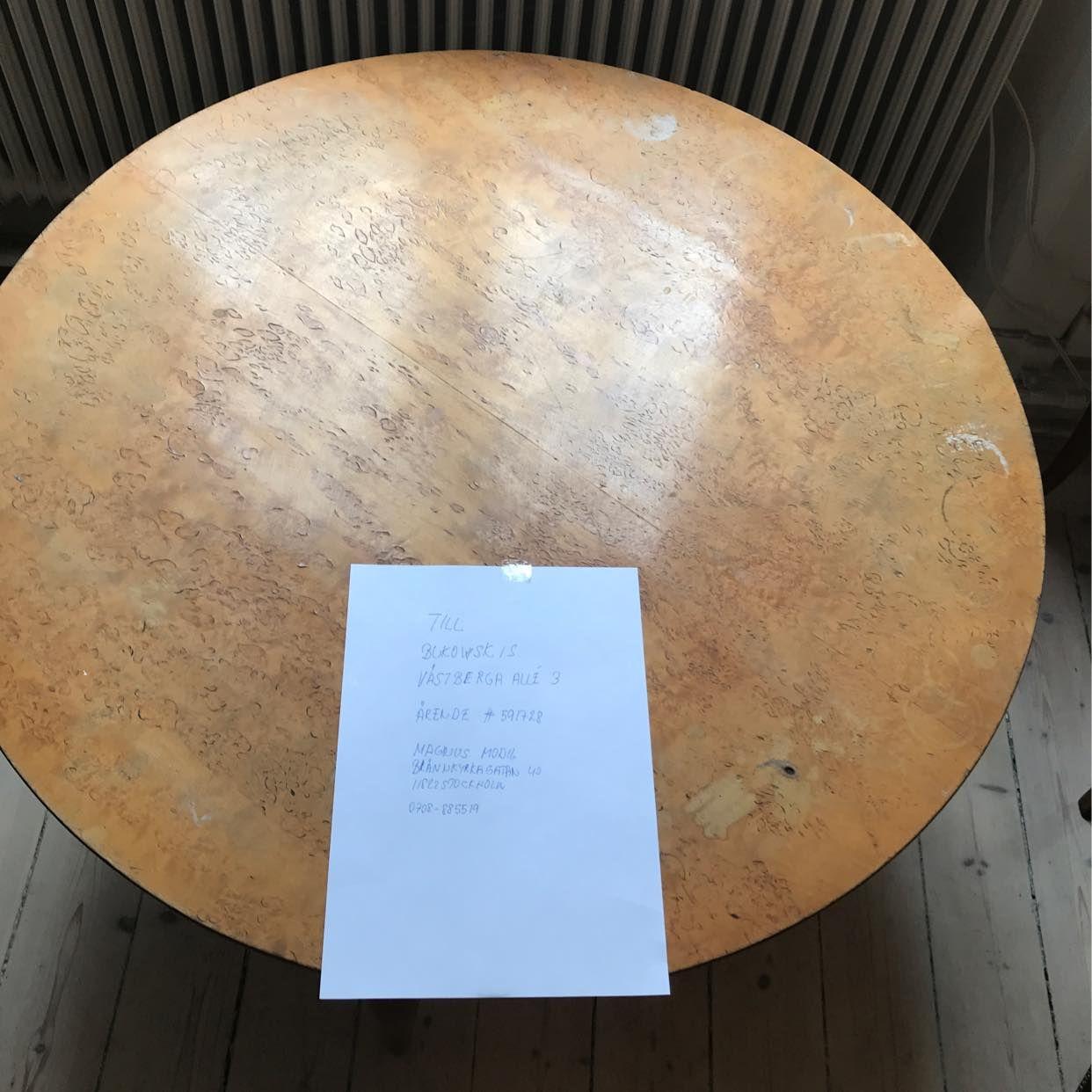 image of Överlämning av bord -