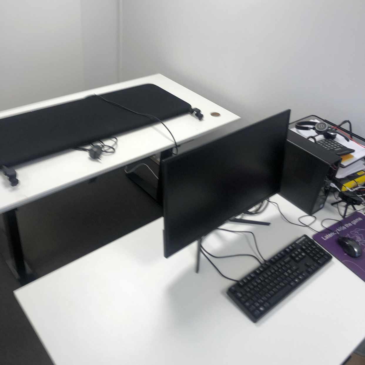 image of Flytt av 2st skrivbord -