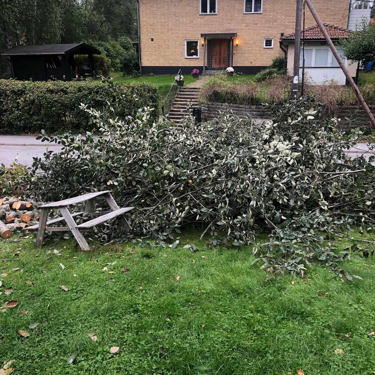 image of Köra till sopstationen - Saltsjö-Duvnäs
