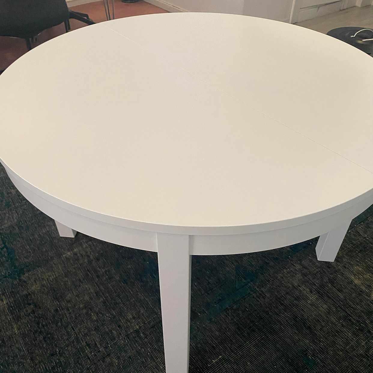 image of Nytt Ikea-bord bortskänke - Stockholms Stad