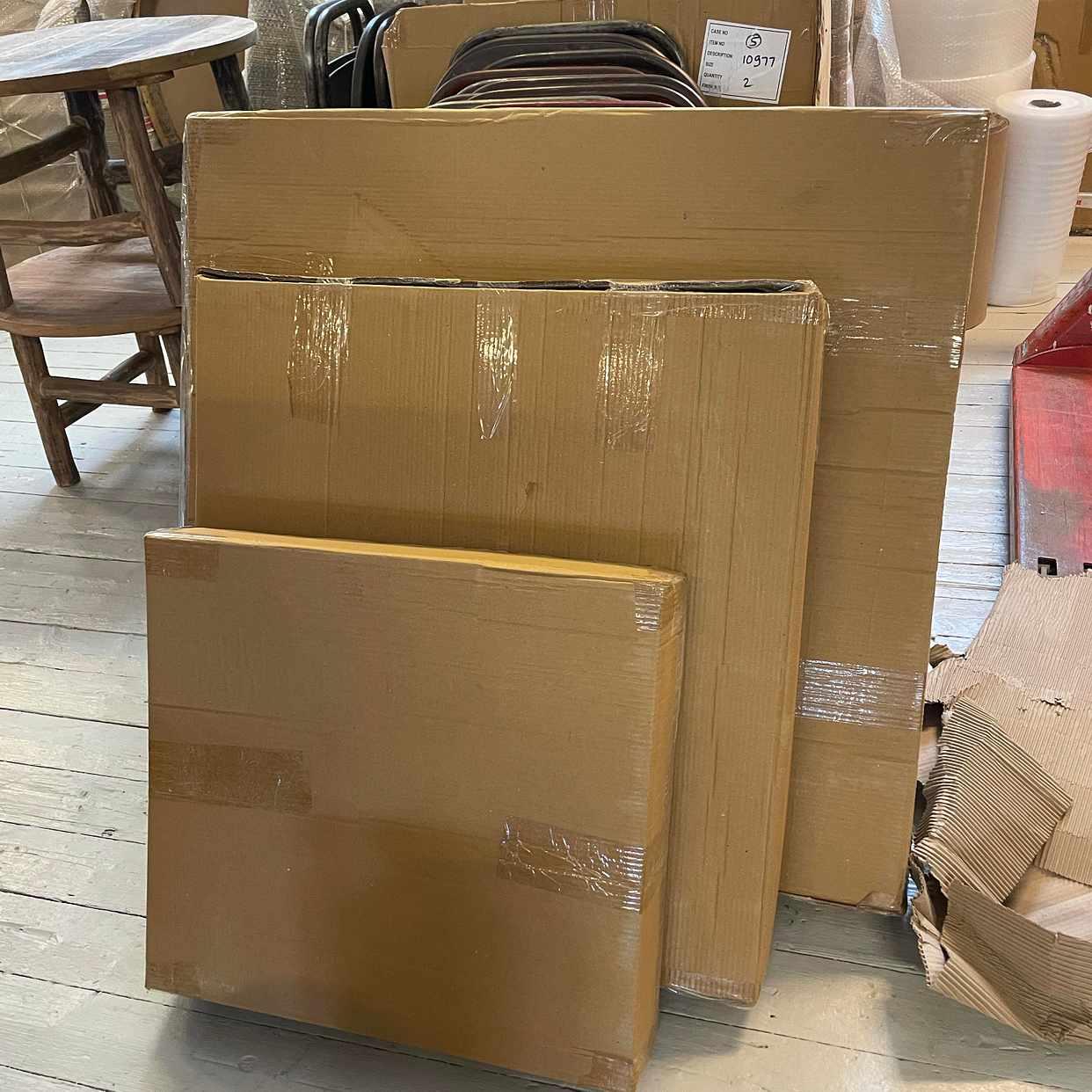 image of Sideboard +3 kartonger -