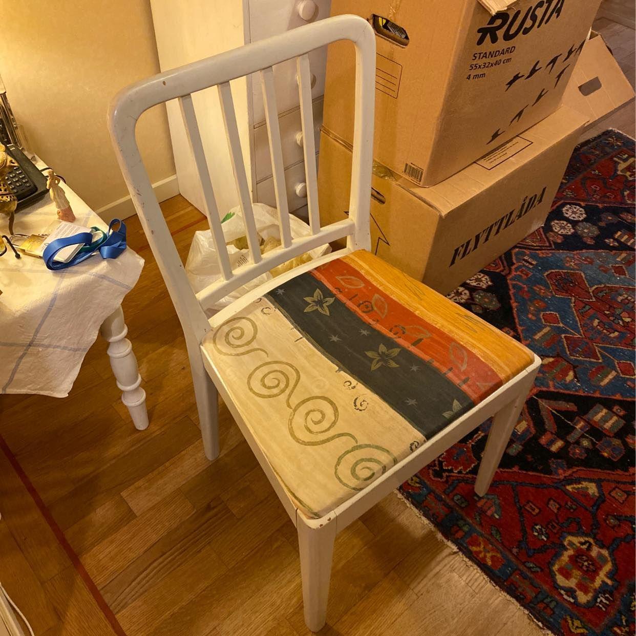 image of 9st kartonger. En stol - Farsta