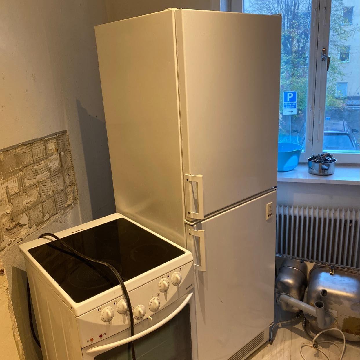 image of kylskåp och spis - Södertälje