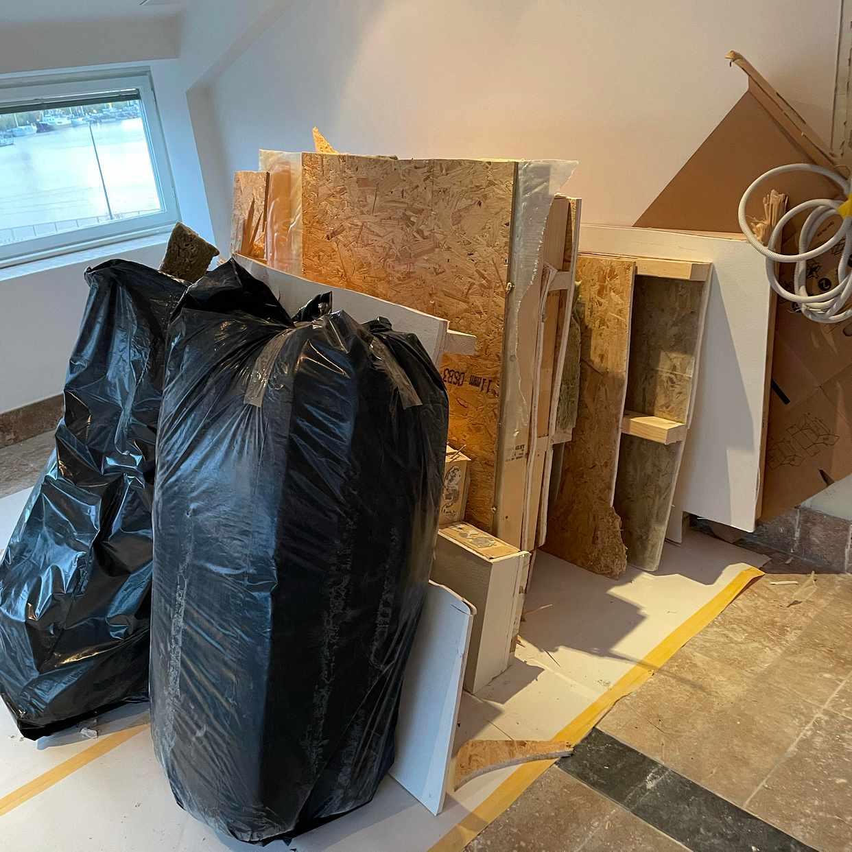 image of Avfall från väggrivning - Stockholm